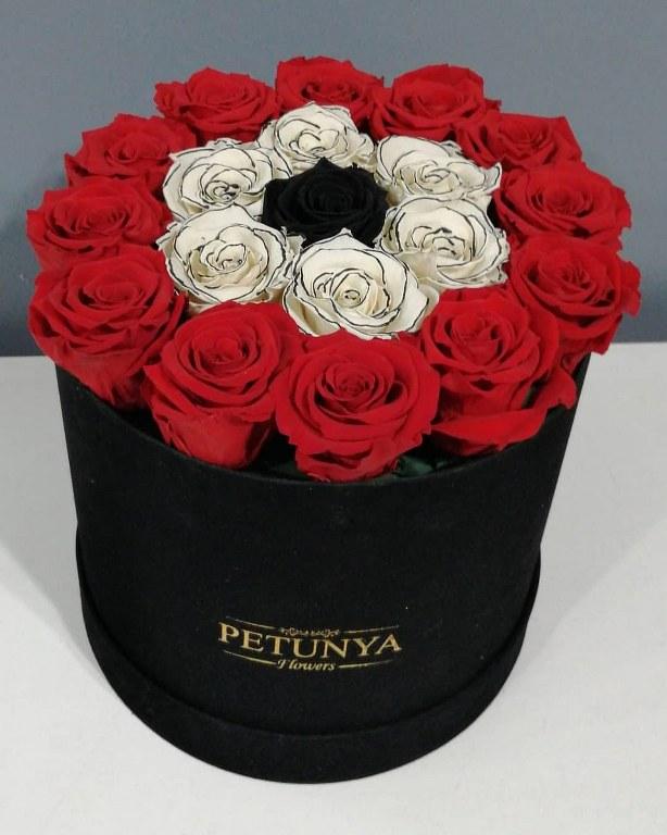 Kadife Kutuda Kırmızı Solmayan Güller