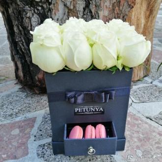 Çekmeceli Kutuda Beyaz Güller